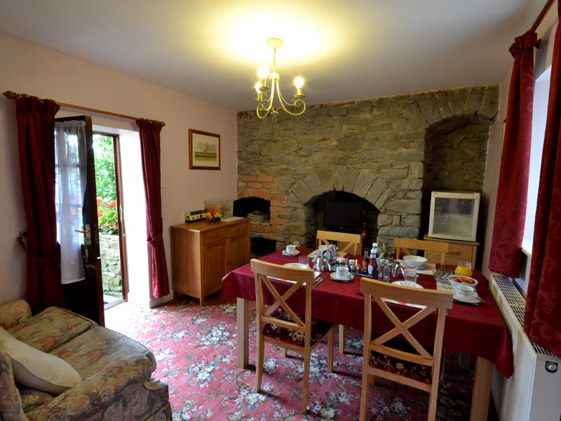 Breakfast Room at Plas Bwlch Bed and Breakfast